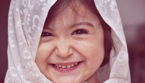 دختر ناز کوچولوی زیبا و خوشگل و دخمل بابا