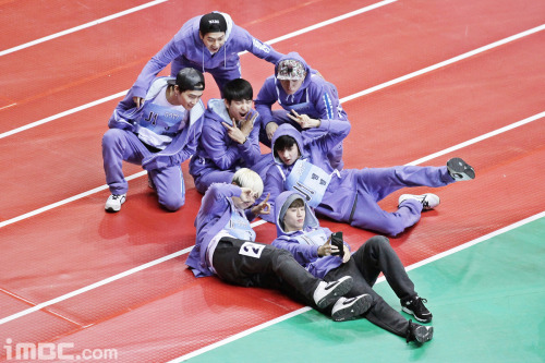 دانلود برنامه  Idol Star Athletics-Archery Championship 2015