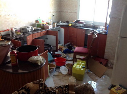 [تصویر: The_kitchen_after_Israeli_soldiers_ransacked_it.jpg]