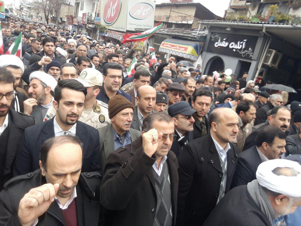 گزارش تصویری حضور شریعت نژاد و هیئت همراه در راهپیمایی 22 بهمن 1395 در شهرستانهای تنکابن،رامسر و عباس آباد