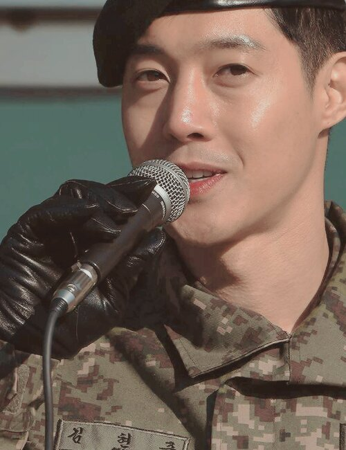 [HD Fanpics+Media Photo] KHJ military discharge [2017.02.15]