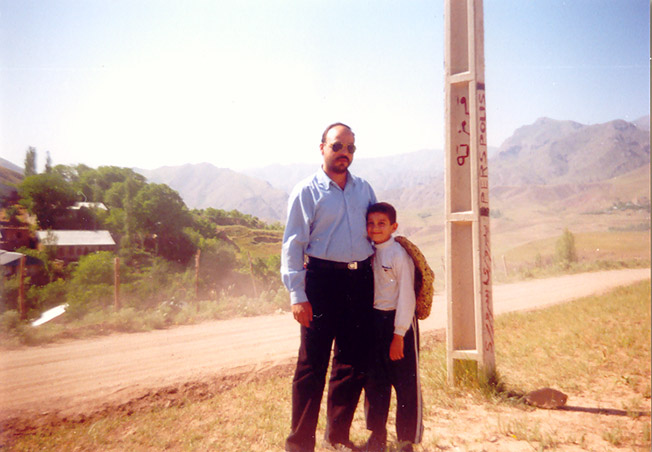 خاطره ای از شهید محمد علی دولت آبادی/شهید دولت آبادی در کنار پدر