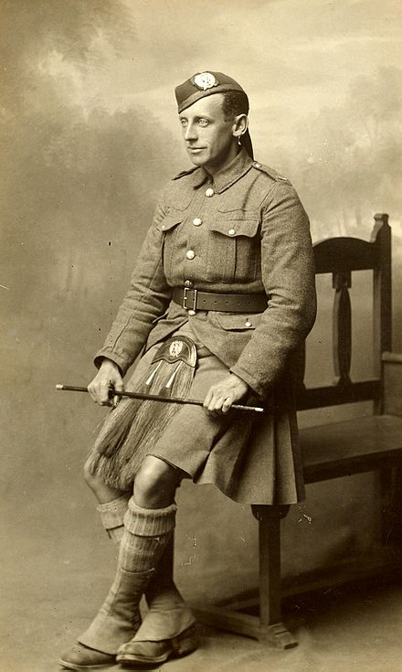 http://s5.picofile.com/file/8369324518/Unidentified_British_soldier%E2%80%A6_10306058923_.jpg