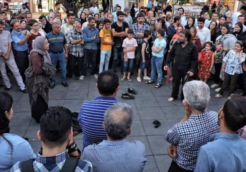 تئاتر توهم از پروژه تئاتر خیابانی دائم سازمان فرهنگی ، اجتماعی و ورزشی شهرداری رشت به بخش مسابقه جشنواره شهروند لاهیجان راه یافت