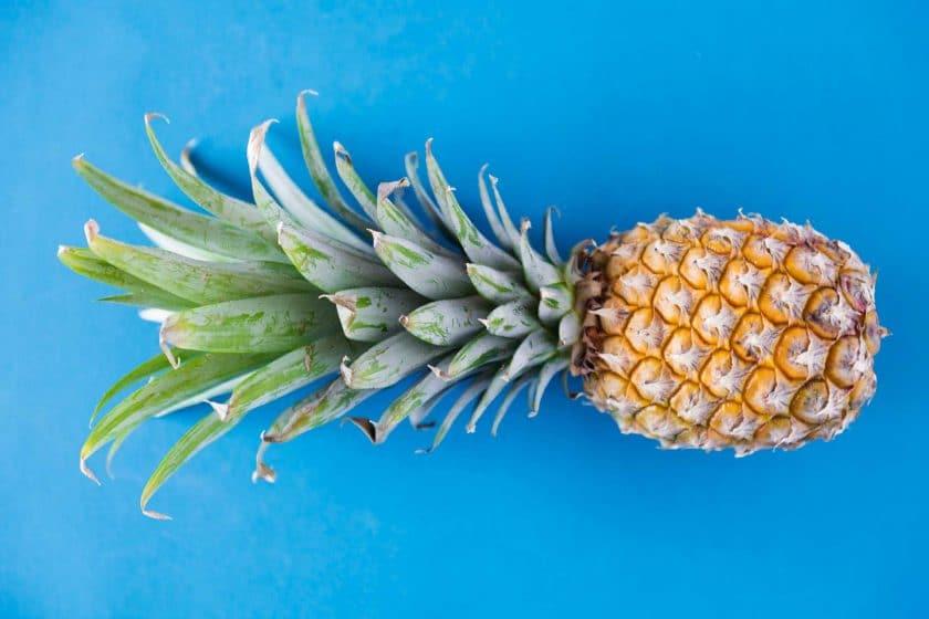 فواید آناناس برای تارهای صوتی