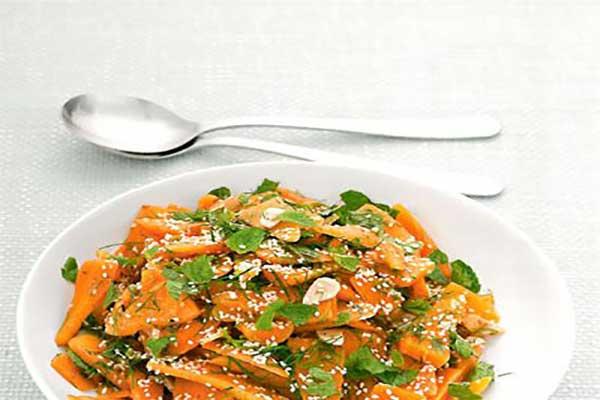 سالاد گیاهی با هویج