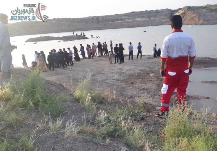 غرق شدن یک پسر بچه رودباری در معدن شن